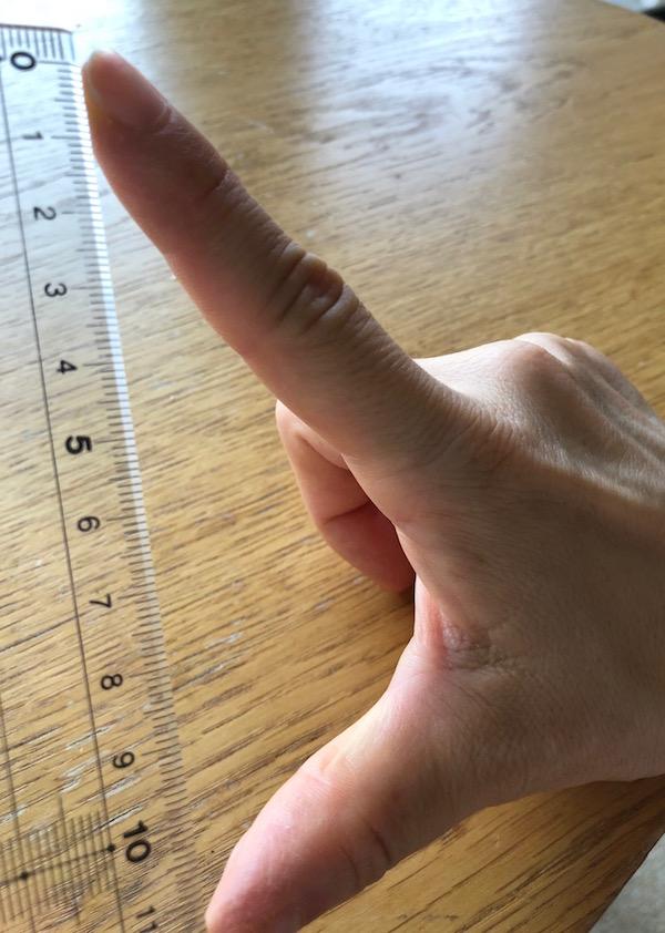 L字型にした指先